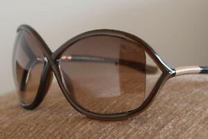 Dettagli su TOM FORD WHITNEY TF9 Occhiali da sole oversize da donna marrone e oro ITALIANO CLASSICS mostra il titolo originale