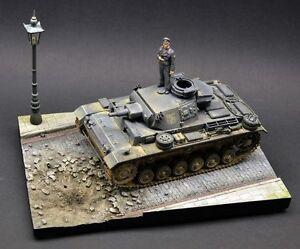 DioDump-DD081-Bombed-street-1-35-scale-diorama-vignette-afv-vehicle-display-base