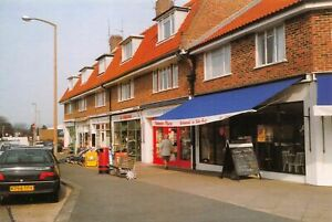 Worthing-West-Sussex-Postcard-Aldsworth-Avenue-Parade-Goring-By-Sea-12O