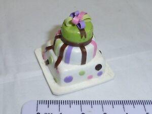 Échelle 1:12 à Trois Niveaux Gâteau Maison De Poupées Miniature Accessoire-afficher Le Titre D'origine