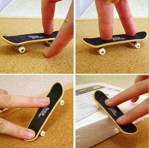 1x Fashion Mini Kids Children Finger Board Truck Skateboard Funny Toys