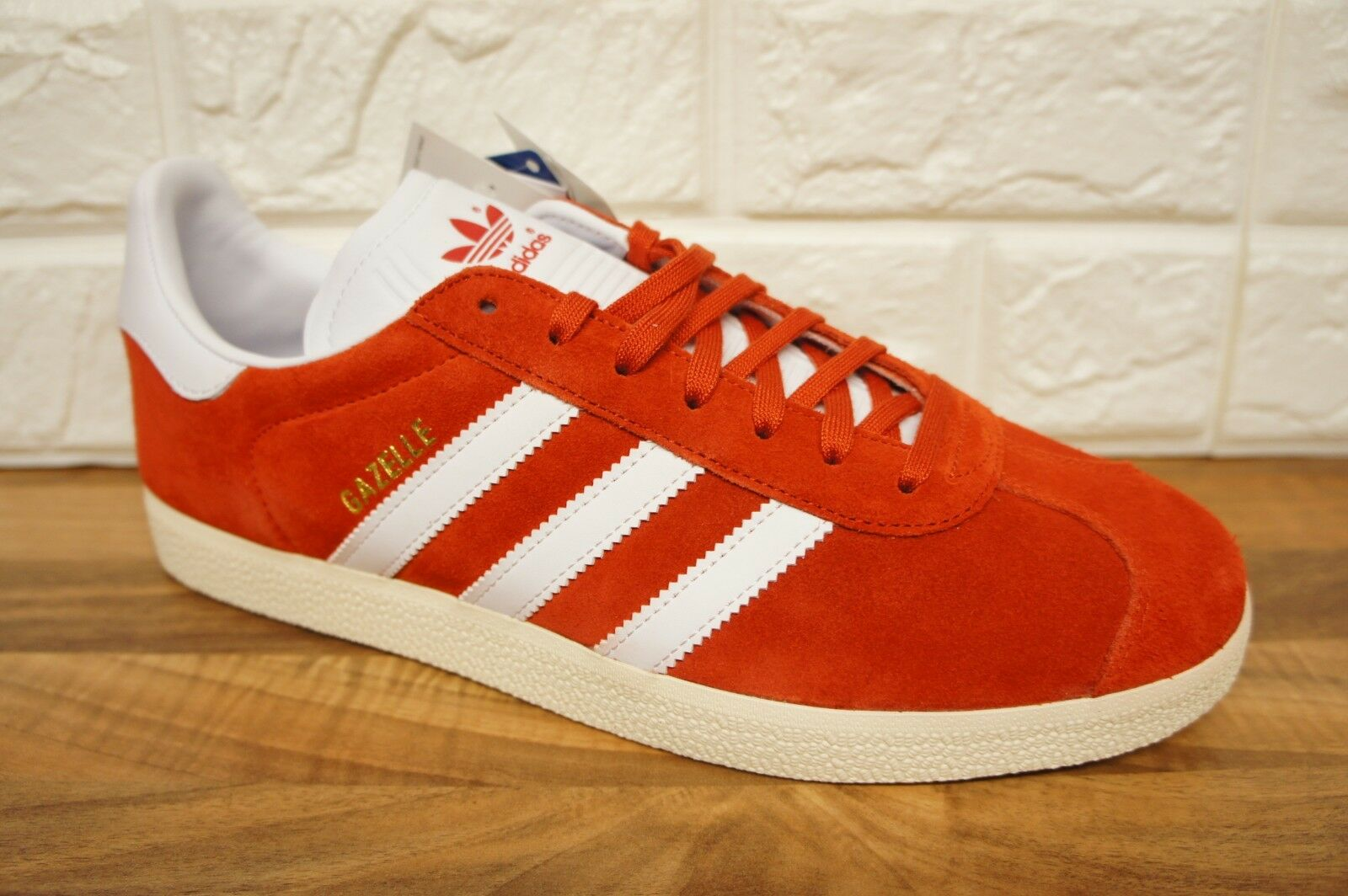Adidas Gazelle Mens Größe 9.5 UK rot Weiß Leather Suede Trainers Brand New Boxed