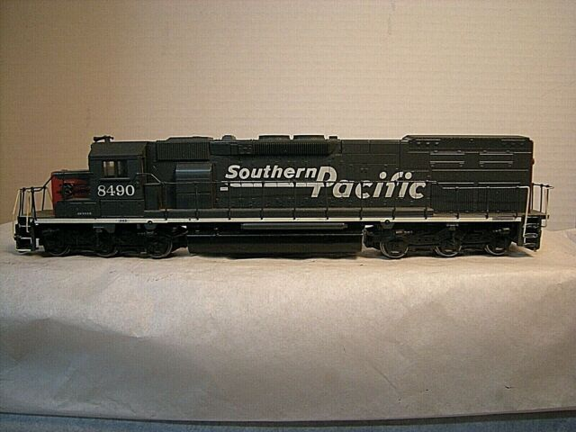 HO Athearn / Blue Box Southern Pacific SD40T-2 Powered Locomotive