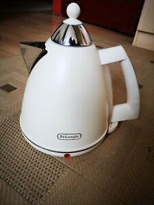 Delonghi-Argento-flora-design-electric-kettle-1-7L-beige