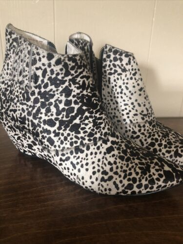 Matisse Nugent Cow Print Pony Hair Wedge Booties E