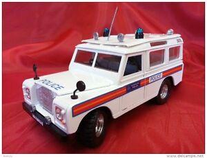 Burago 1:24 Cod.   0167-1 - Police Land Rover