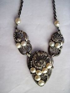 Periods & Styles Pleasant To The Palate Constructive Delicate Art Deco Necklace W/ Faux Pearls & Diamonds