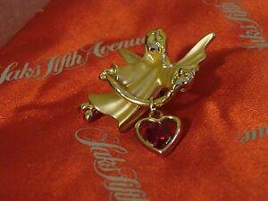 GIGIO GIUSTI glossy & satin gold plated ANGEL pin w/ faceted garnet HEART charm