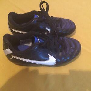 1b46953d98 Nike shoes Size 11 softball baseball soccer T-ball cleats black boys ...