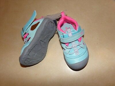 OshKosh B/'Gosh Christopher Boy/'s Casual Sneaker