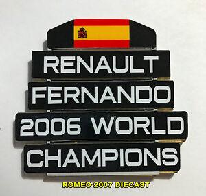 1-18-Pitboard-F1-Formula1-Fernando-Alonso-Renault-W-C-2006-to-minichamps-NEW