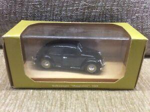 VW-BEETLE-SALOON-SPLIT-REAR-SCREEN-BLACK-1949-1-43-RIO-MODEL-VGC-BOXED