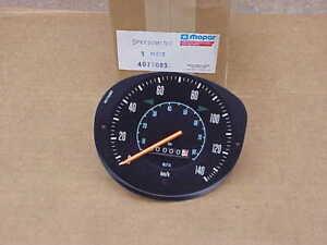 NOS-MoPar-1972-73-74-75-76-77-78-79-80-Dodge-Truck-Ramcharger-Speedometer-KPH