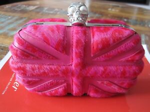 5b25fe21fa84a Image is loading ALEXANDER-McQUEEN-PINK-FUR-amp-LEATHER-SKULL-KNUCKLE-