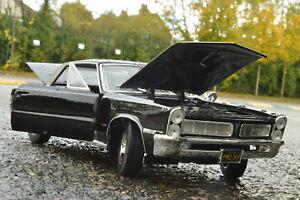 Pontiac-1965-Gto-Escala-1-18-Nuevo-Con-Caja-Danada-Metal-Diecast-Coche-De-Juguete-En-Miniatura