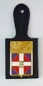 Insigne-badge-MILITAIRE-DU-22-EME-REGIMENT-D-039-INFANTERIE-SUR-PORTANT-CUIR