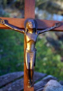 Antique cross Crucifix Designer Piece Metal Bronze Jesus Christ
