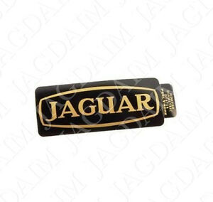 jaguar rocker cover badge black gold lettering c35732. Black Bedroom Furniture Sets. Home Design Ideas