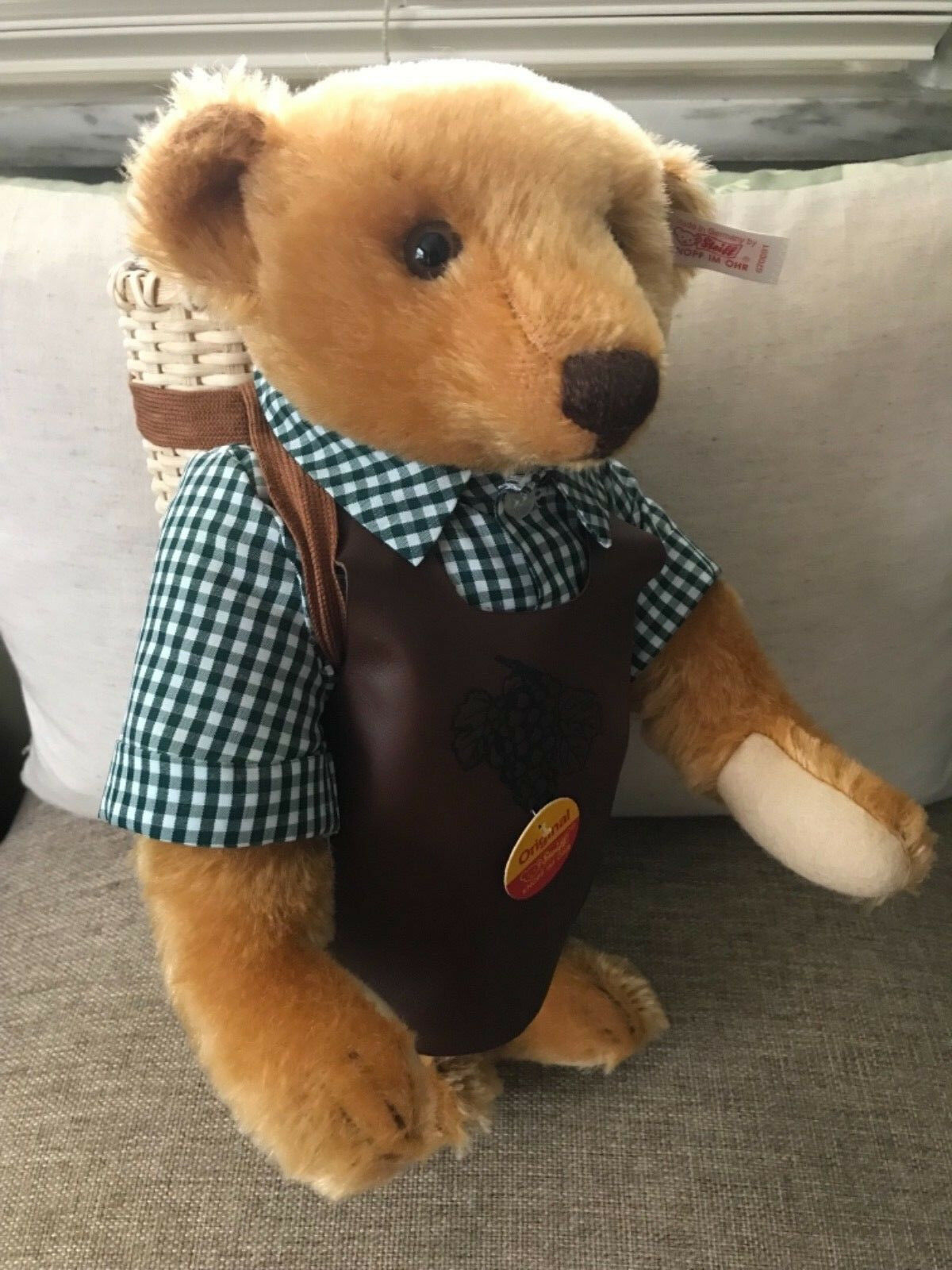 Steiff  670091 Winemaker Teddy Bear LE
