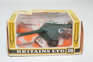 BRITAINS-9720-B-A-T-BAT-GUN-MINT-BOXED