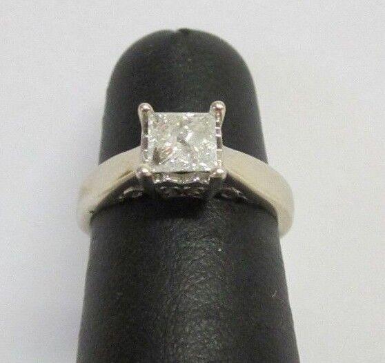 (RI3) Ladies 14K White gold Diamond Ring - sz. 5 - 2.7 g - .60 TCW