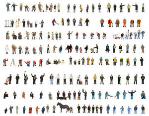 Bachmann-sets-of-hand-painted-figures-in-OO-gauge-32-sets