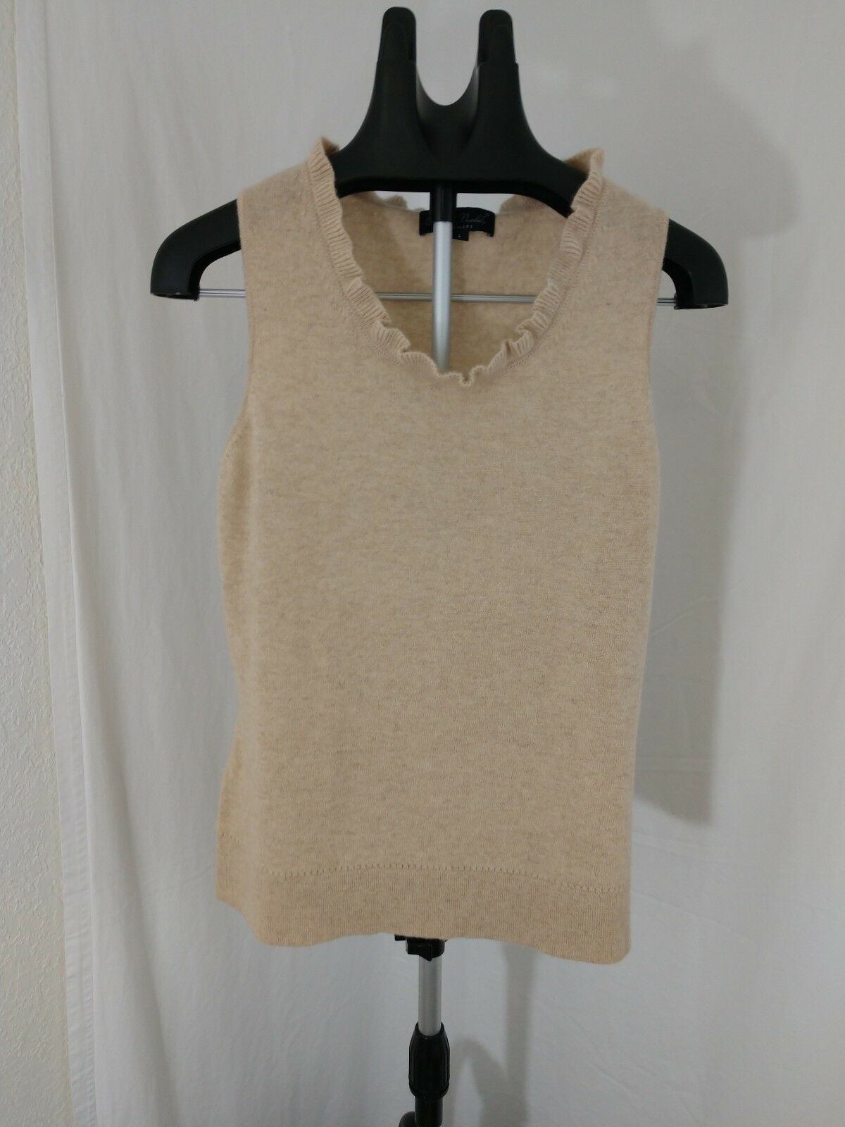 Claudia Nichole Cashmere Sleevless Sweater