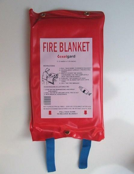 FIRE BLANKET 1.8M X 1.2M  - (ADULT SIZE)  KITCHEN, CAMPING, CARAVAN, BOAT