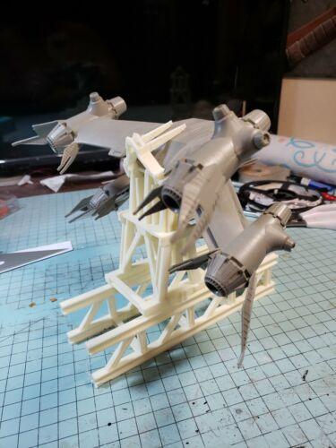 Plastic Babylon 5 Starfury Launch Gantry