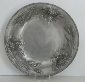 Grosse-Zinnschale-Sandguss-Engelsmarke-Krallenfuesse-Trauben-Ahren-35-0-cm