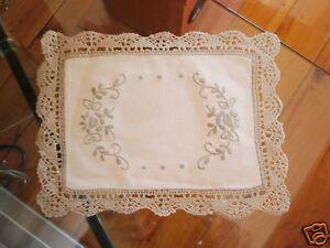 Delict-Hand-Bobbin-Lace-Embroidery-Cotton-Doily-20x25cm