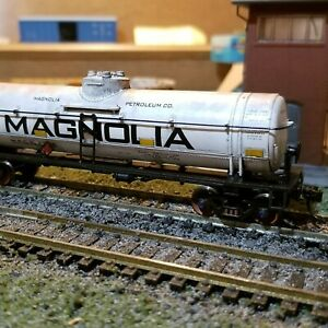 Athearn-HO-scale-Magnolia-40-039-Weathered-tank-car-metal-wheels-rtr-series