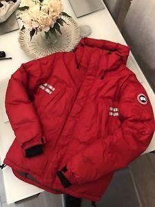 Canada-Goose-Mountaineer-Jacket