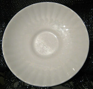 Lovely China saucer in white with ribbed design 55 ins in diameter - Newent, Gloucestershire, United Kingdom - Lovely China saucer in white with ribbed design 55 ins in diameter - Newent, Gloucestershire, United Kingdom