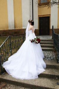 Brautkleid Hochzeitskleid Gr 36 38 Schneeweiss Mit Perlen Und Spitze