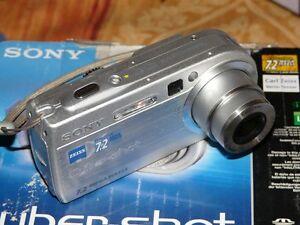 Sony-Cyber-shot-DSC-P150-7-2-MP-Digital-Camara-Plateado