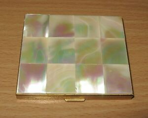 Vintage-MOP-Mother-Of-Pearl-Goldtone-Powder-Compact-With-Mirror
