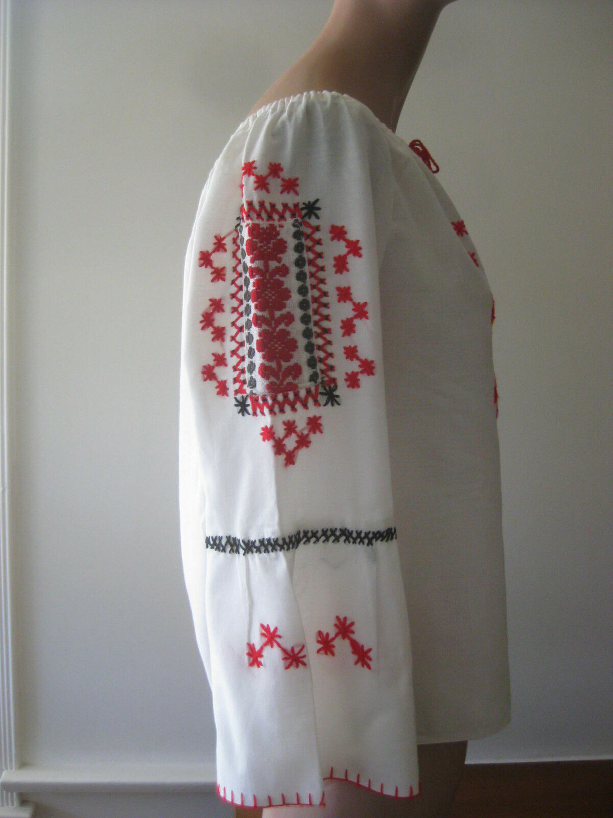 HUNGARIAN HAND Embroidered BLOUSE vintage - image 5