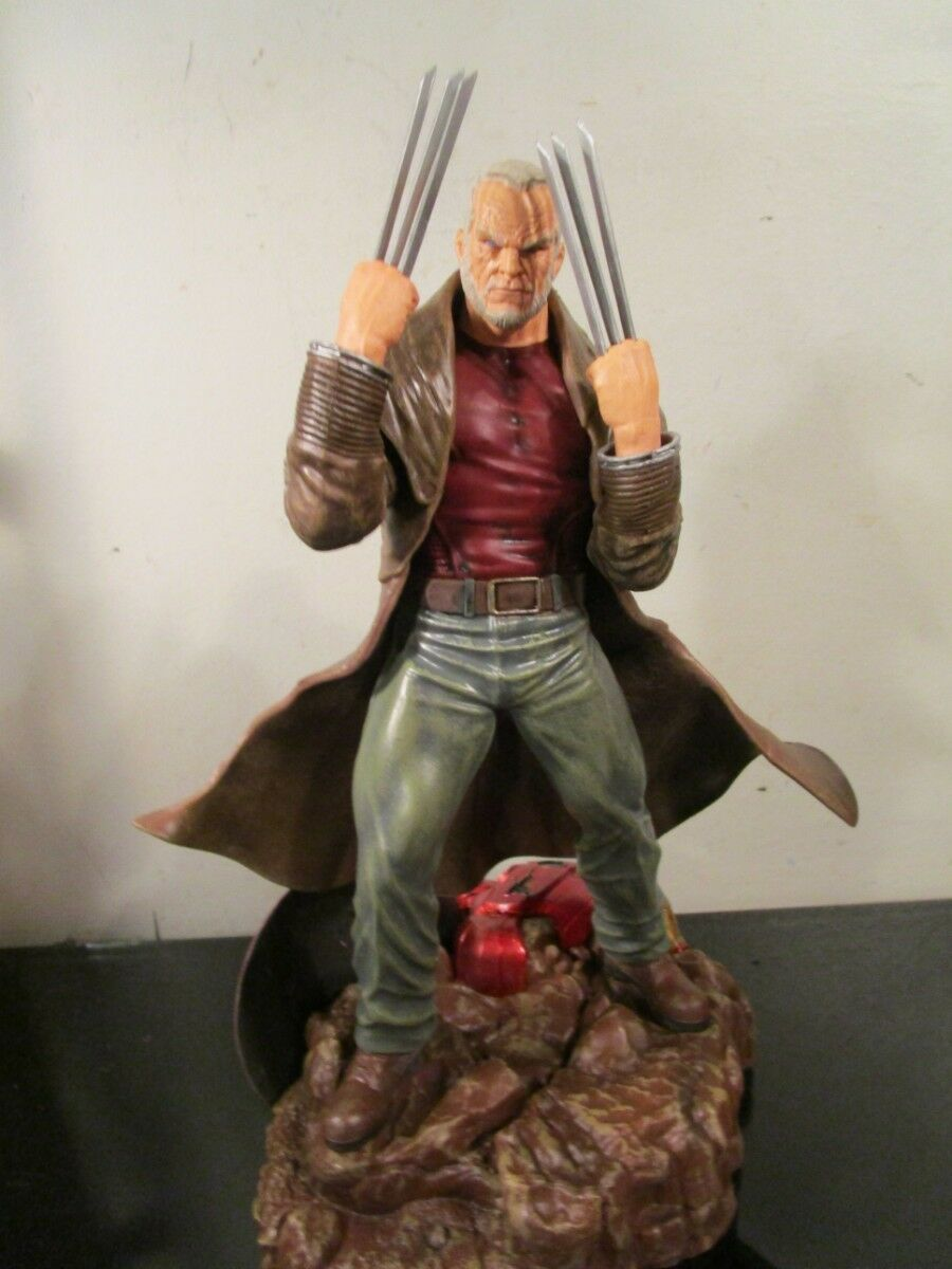 Diamond Select Toys Marvel Gallery Old Man Logan PVC Figure Statue