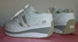 45d2113edf70 Vintage White Skechers Somethin  Else Platform Sneakers 7.5 NEW OLD ...