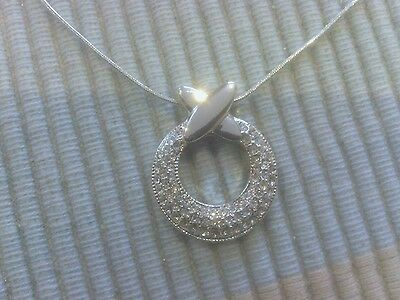 Avon Hugs and Kisses O and X Necklace 38+ 9cm