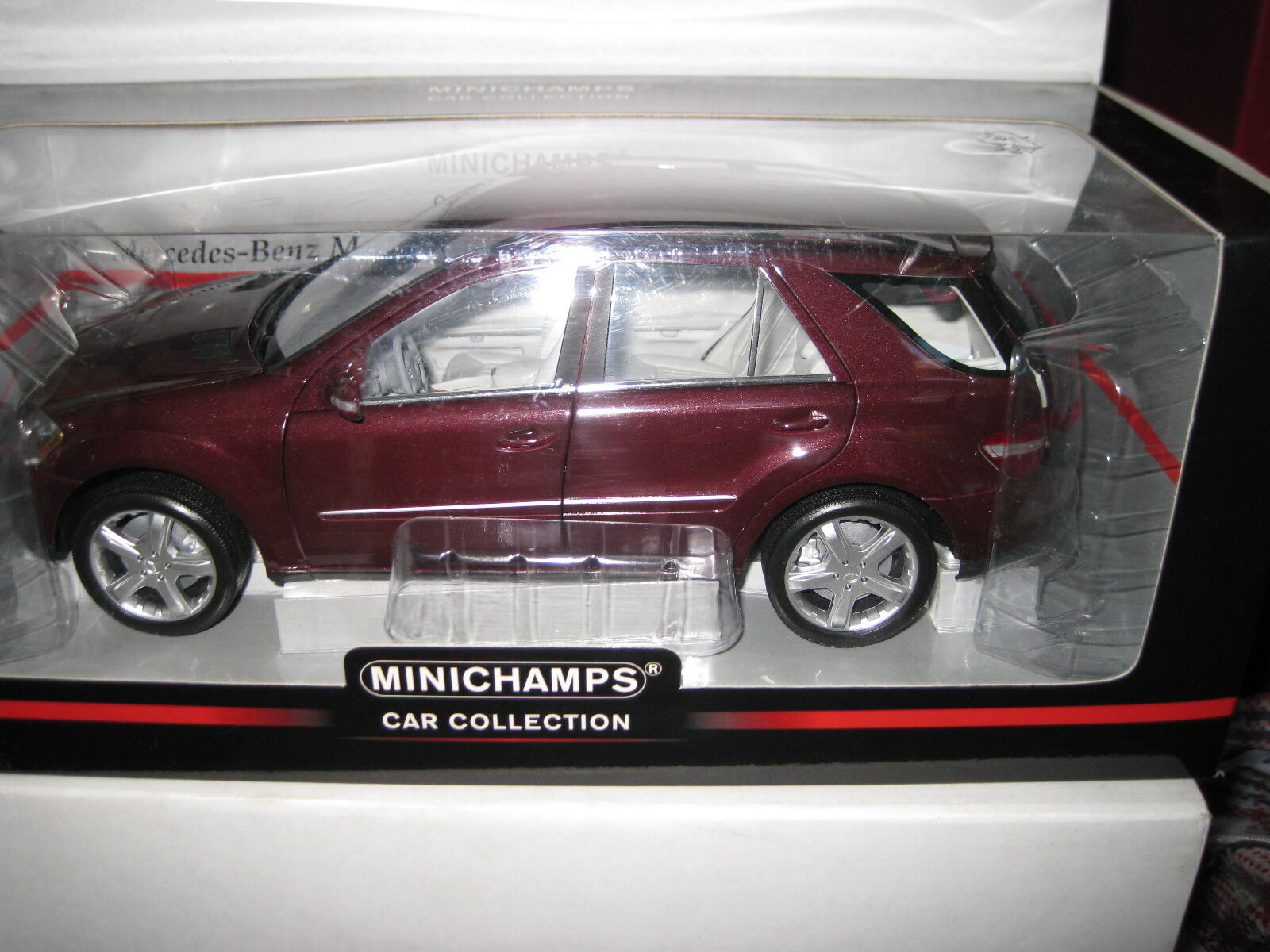 1.18 MINICHAMPS MERCEDES BENZ M CLASS 2005 RED METALLIC AWESOME AWESOME AWESOME LOOKING MODEL 80dd4a