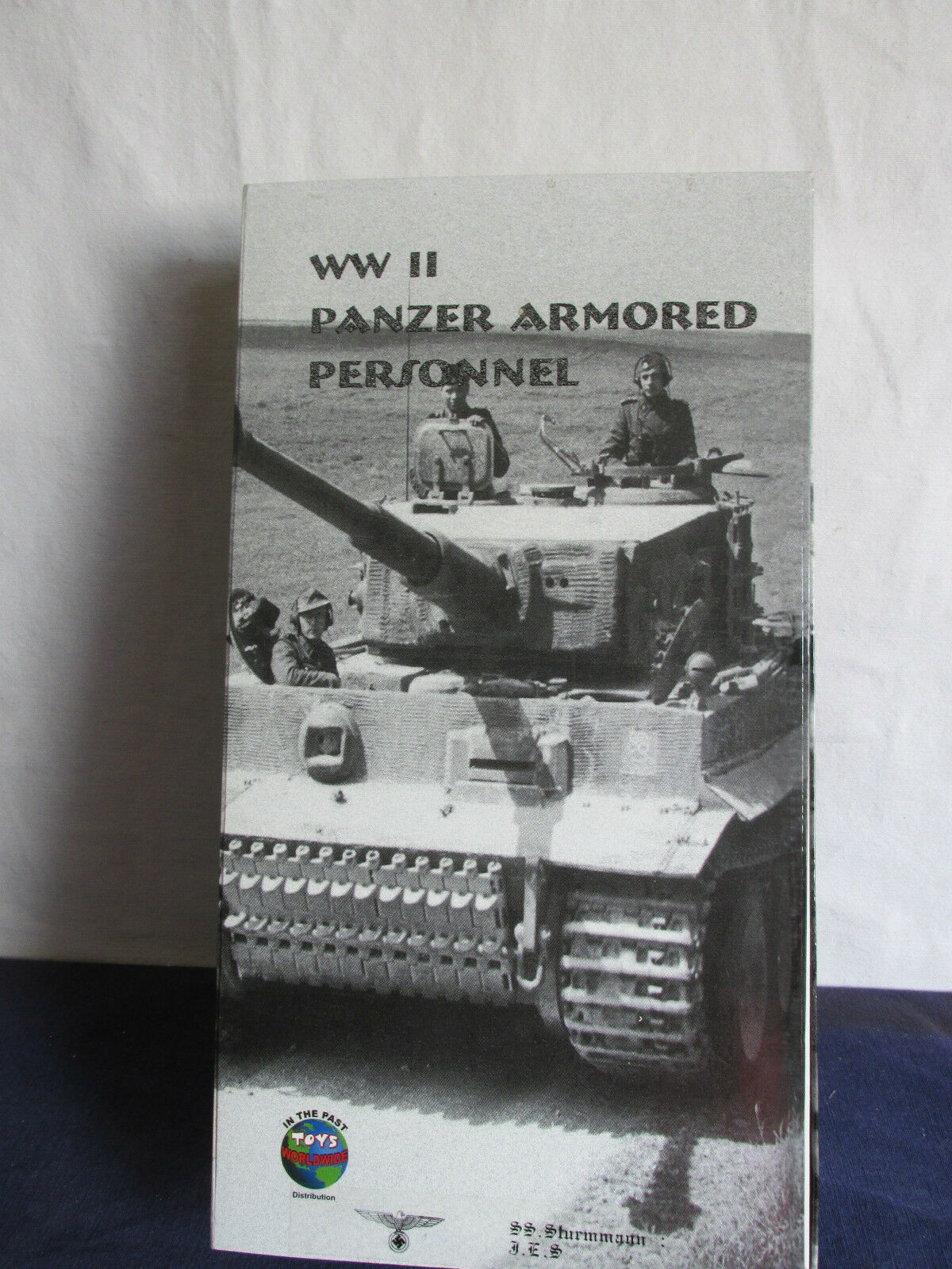 Dragon In The Past Toys 1 6TH WW11 PANZER ARMORED PERSONNEL  STURMMANN