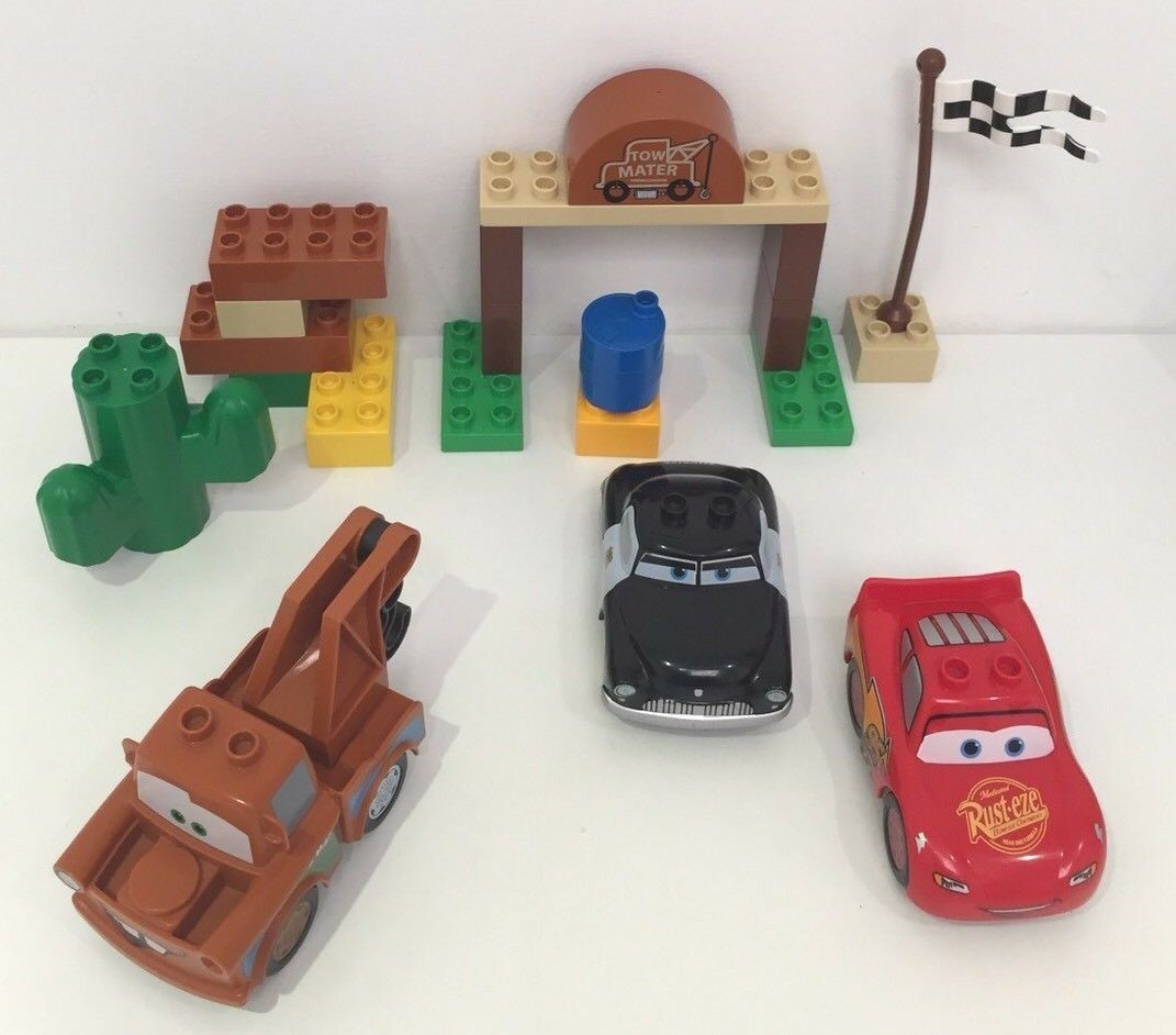 2 X 100% COMPLETE DUPLO CARS SETS 5813 & 5814 MATERS YARD LIGHTNING MCQUEEN LEGO