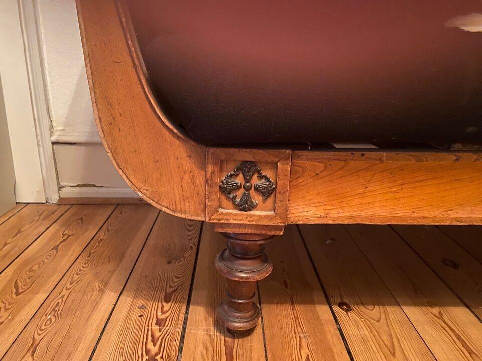Smuk enkel antik sofa  fra Jægerspris Slot