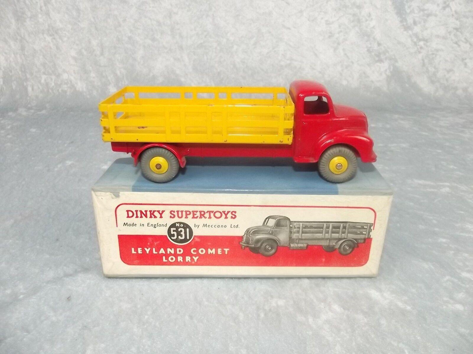En Caja Dinky Supertoys Nº 531 Leyland Comet Camión