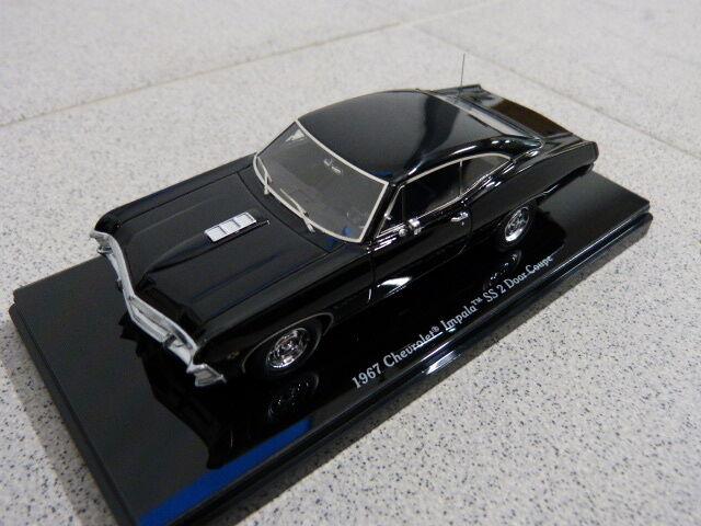 Chevrolet Impala SS 1967 2 Porte Coupé Tuxedo Noir TSM Modèle de voiture 1 43