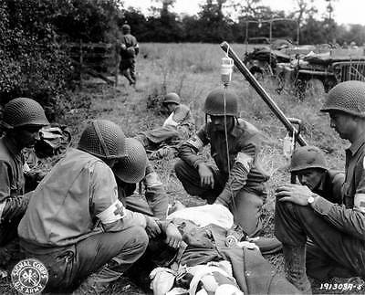Photo. WW2. France. American medical team (combat medics)
