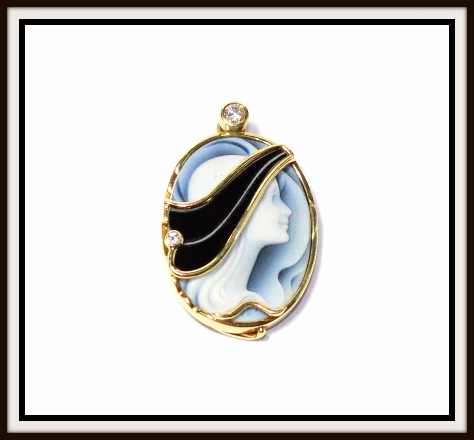 Catherine Best 18k Yellow gold Diamond Agate Reversible Cameo Pendant