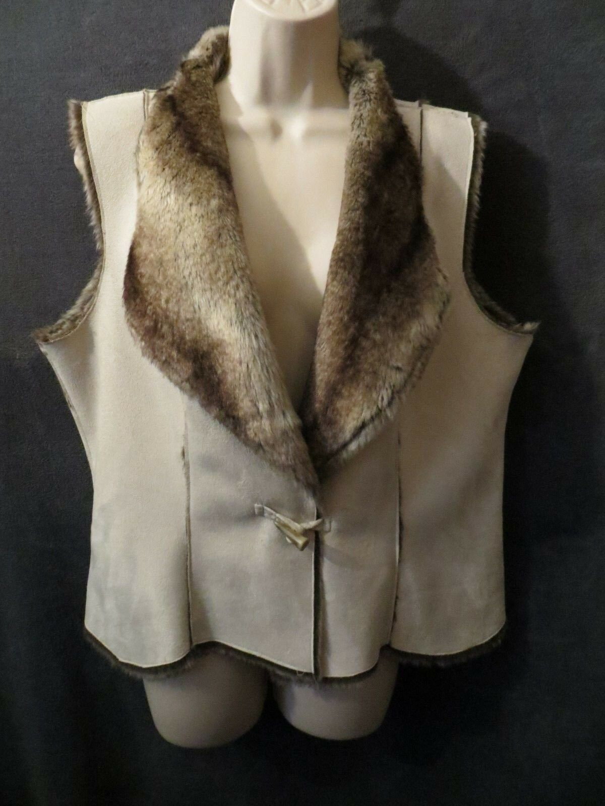 Coldwater Creek Ivory Beige Faux Suede Plush Fur Lined Toggle Vest M (10-12)